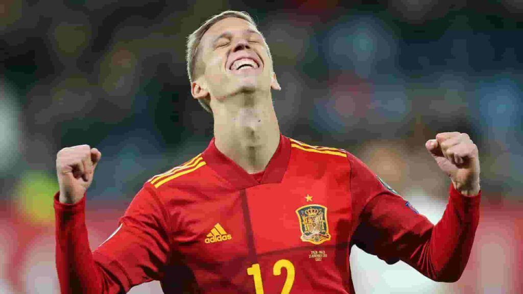 Should Barcelona pursue Dani Olmo?